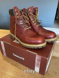 Mens timberland boots size 10.5, nfl Football, 18k Gold, Limited Edition, water