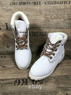 TIMBERLAND WHITE BOOTS with GOLD CHAIN LACES Size US10